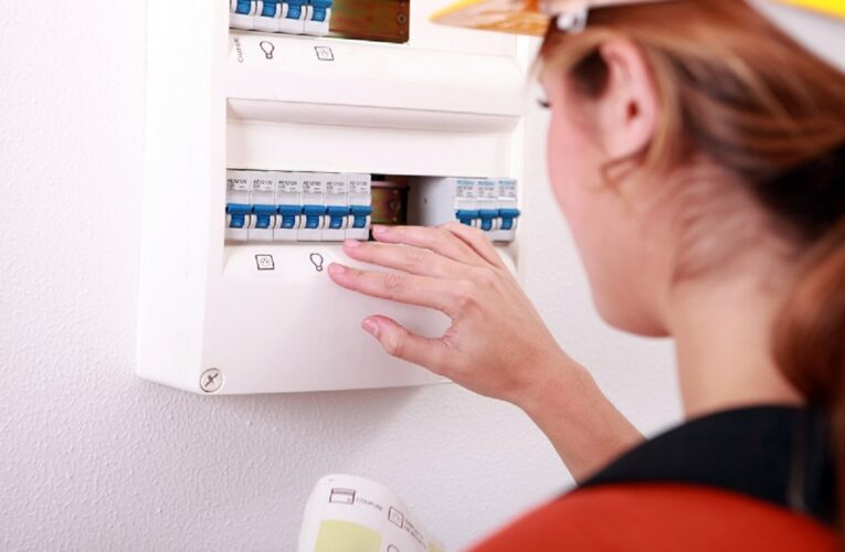 7 Questions To Ask Before Choosing An Emergency Electrician!